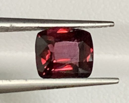 1.40 Carats Spinel Gemstones