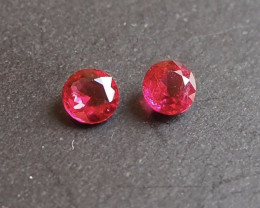 0.95ct vivid red spinel pair from Myanmar