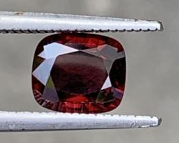 1.91 Carats Spinel Gemstones