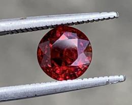 1.80 Carats Spinel Gemstones