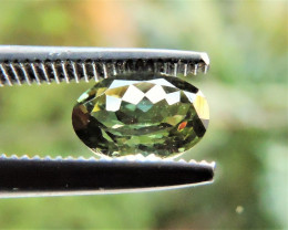 0.90ct GREEN TOURMALINE OVAL FACETED GEMSTONE FROM BRAZIL