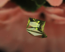 Master Cut Green Peridot Gemstone ScissorCut by Master Cutter