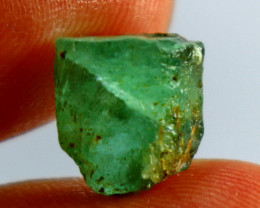 3.85 CT Natural & Unheated  Green Emerald Crystal ( Not Oiled)
