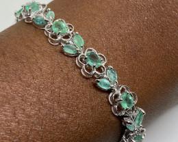 (23) Stunning  Natural 66.0tcw. Brazilian Emerald Bracelet Untreated