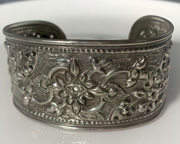 Repousse Sterling Silver Intricate Cuff Bangle Bracelet 154.00cts