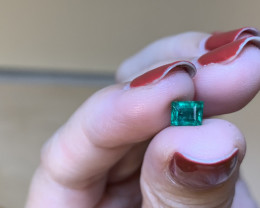0.82 rectangular cut emerald