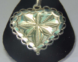 pendent ~ 999 silver faceted designs 20.75cts