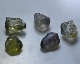 Natural - Unheated  Sapphire Clean Facet Rough