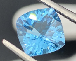 """""""NR"""" 2.80 Carats!Top Quality Natural Topaz Master Cut Amazing Fire!!"""