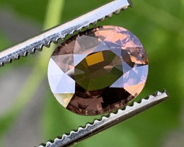 3.90 Carats Zircon Gemstones