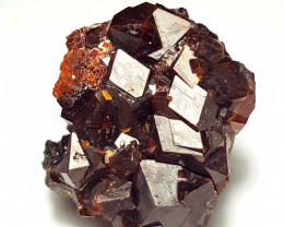 Amazing Damage free Garnet cluster have very good luster 200 Cts-P