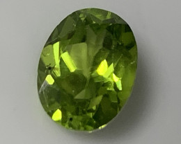 ⭐2.25ct Bright Green Peridot Gem - No reserve