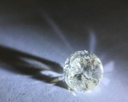 1.12 ct Cape pique round brilliant diamond