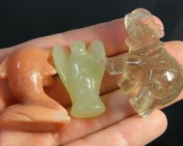 PARCEL 3 ANIMAL CARVINGS 267.40 CARATS   AG1221