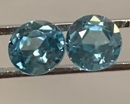 A Pair of Sparkling Blue Zircon gems - 5.0 and 5.3mm