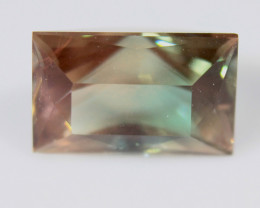 Cerified Bicolor Oregon sunstone Cts  2.67 Rf615