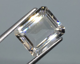 5.20 Carat VVS Topaz - Diamond White Color Precision Cut and Polished !