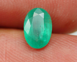 0.90CRT TRANSLUCENT GREEN EMERALD ZAMBIA