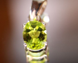 Peridot 1.15ct Platinum Finish Solid 925 Sterling Silver Pendant