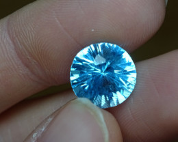 7.9ct VVS-IF  Glowing SkyBlue Topaz irradi.