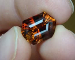 8.07ct VVS-IF O-Brown Topaz Cert.