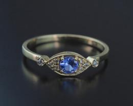 14k yellow gold ring with tanzanite and diamonds