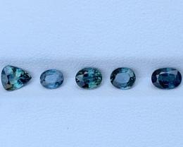 2.68 Carats Sapphire Gemstones