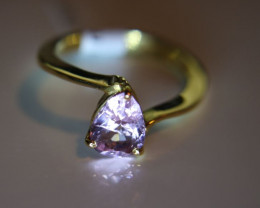 Tajik Pink Spinel 2.15ct Solid 18K Yellow Gold Solitaire Ring       Size 8