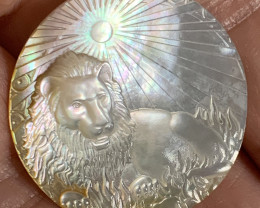 Mother of Pearl Mary Carved Lion Shell with Rainbows Cabochon 10ct