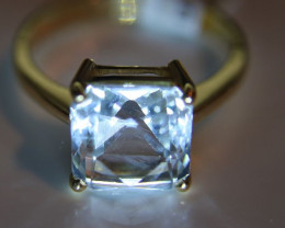 Aquamarine 4.44ct Solid 18K Yellow Gold Solitaire Ring     Size 8
