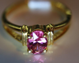 Mahenge Spinel 1.15ct Solid 18K Yellow Gold Solitaire Ring      Size 7