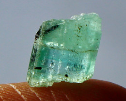 2.40 Cts Beautiful, Superb  Green Emerald  Crystal rough