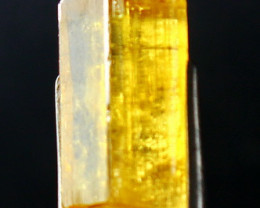 7.65 CT Natural  Beautiful  Yellow Heliodor Crystal