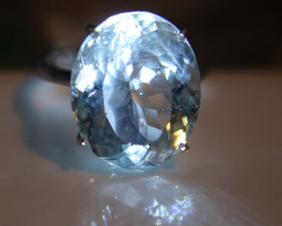 Aquamarine 15.15ct Solid 18K White Gold Solitaire Ring    Size 8