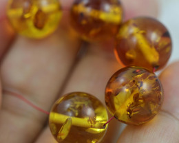 36  Cts Gold Yellow Amber Beads 13 mm    AM 1638