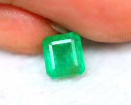 Emerald 1.93Ct Natural Colombia Green Emerald E0217/A38