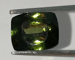 Tiefenzirkon, 1,425ct, aus Kambodscha, tiefes, dunkles Grün!