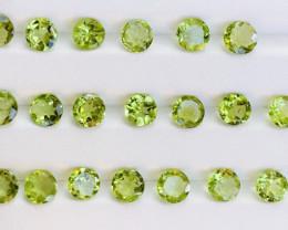 22 Carats  Peridot Gemstones Parcel