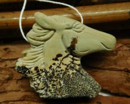 Chouhua jasper carved horse pendant (G1860)