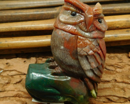 Fancy agate carved owl figurine (D113)
