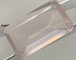 8.60ct Pastel Pink Rose Quartz  cut gem - No Reserve