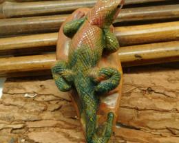 Natural gemstone carved fancy agate lizard (D077)