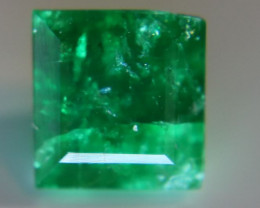 Emerald 1.75ct Unoiled