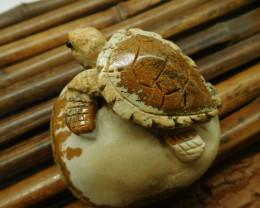 Picture jasper carved turtle decoration (D058)