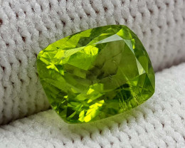 2.85CT PERIDOT  BEST QUALITY GEMSTONE IIGC12