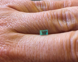 0,45ct  Colombian Natural Emerald 1/170 Colombian Natural Emerald Colombian