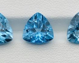 13.60 Carats Topaz Gemstones