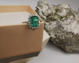 1,51ct Colombian Emerald 18k Solid Gold Ring with Diamonds ref. 38/76