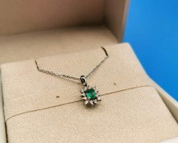 0,21ct Colombian Emerald 18k Solid Gold Necklace & Diamonds Colombian Emera