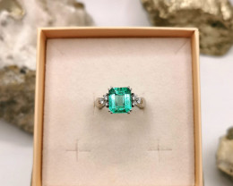 3,94ct Colombian Emerald 18k Solid Gold Ring with Diamonds ref 15/76